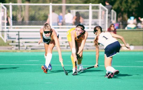 Varsity field hockey continues to push, despite losses