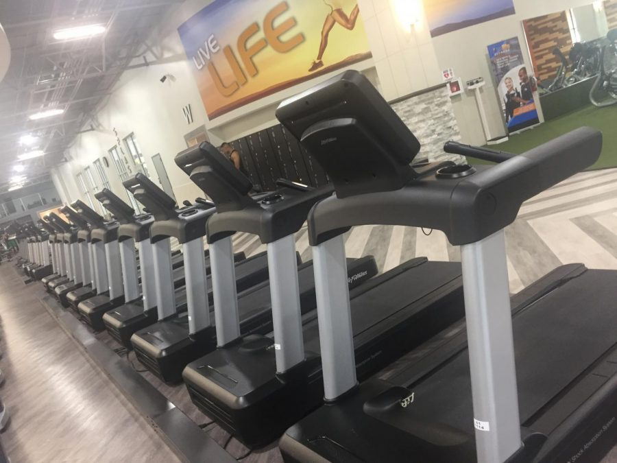 Treadmills+at+Onelife+Fitness+Redmill.