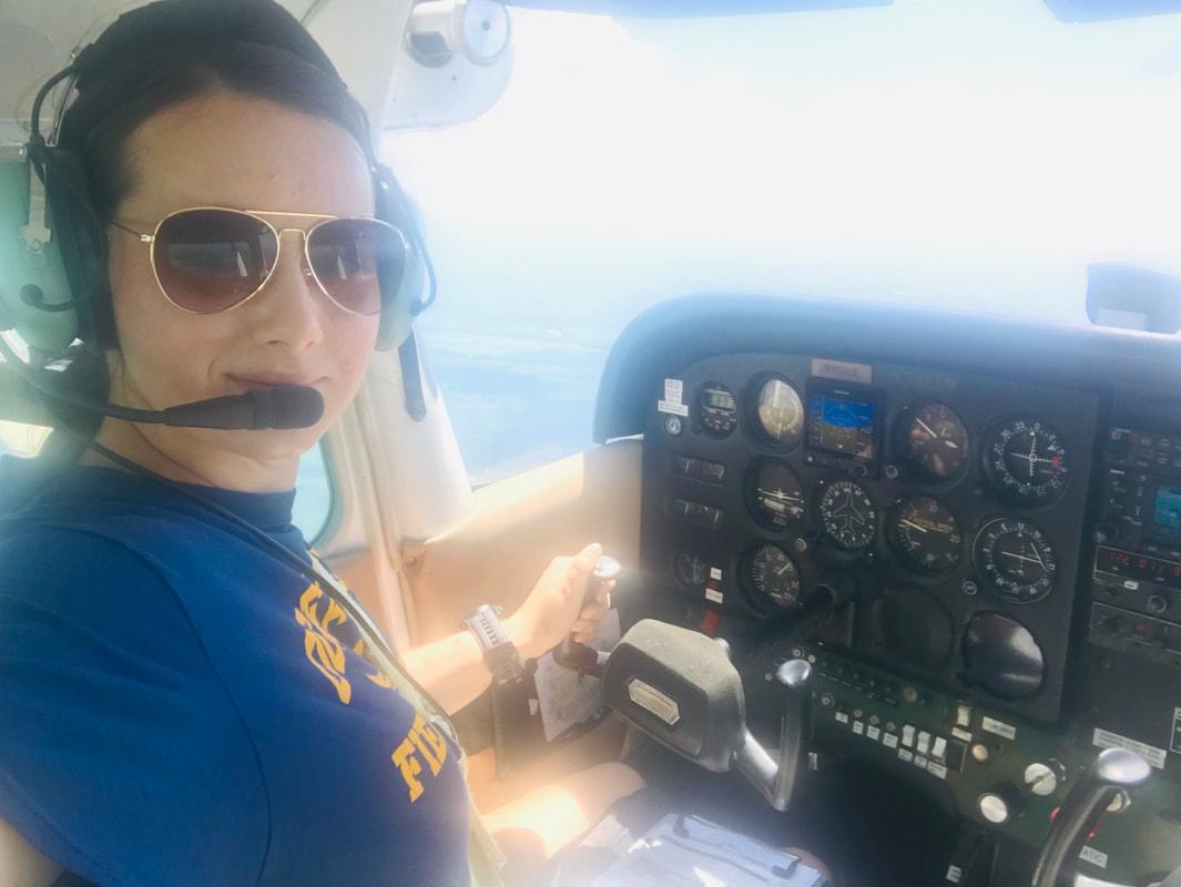 Saffron Hewitt-Qualls in flight in a Cessna 172.