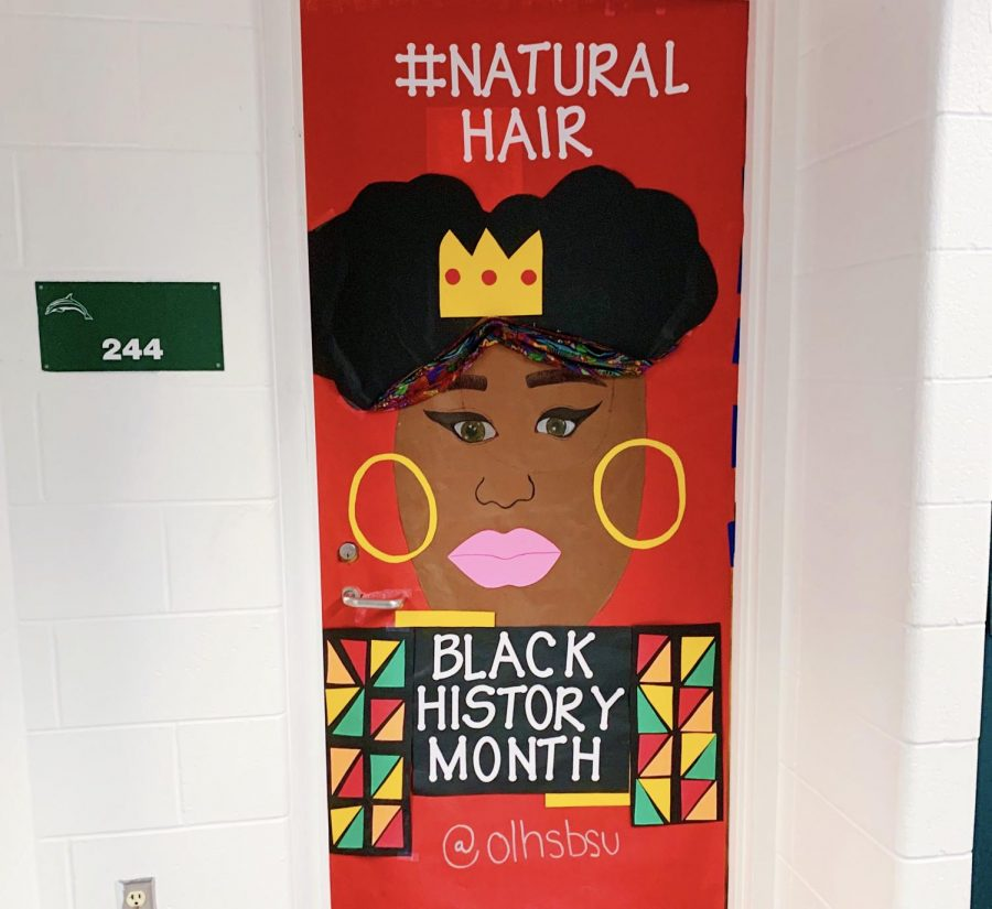 Se%C3%B1ora+Rosado%27s+door%2C+244%2C+was+decorated+by+the+Black+Student+Union+to+represent+the+importance+of+the+natural+hair+movement+in+black+culture.+Photo+taken++on+Feb.+10.