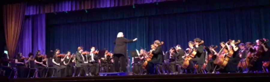 Depicts+the+orchestra+playing+Spooktacular+Halloween.+Taken+by+Makenna+Miller.+