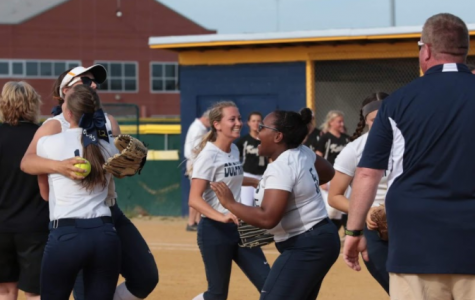 Softball defeated by Tallwood Lions