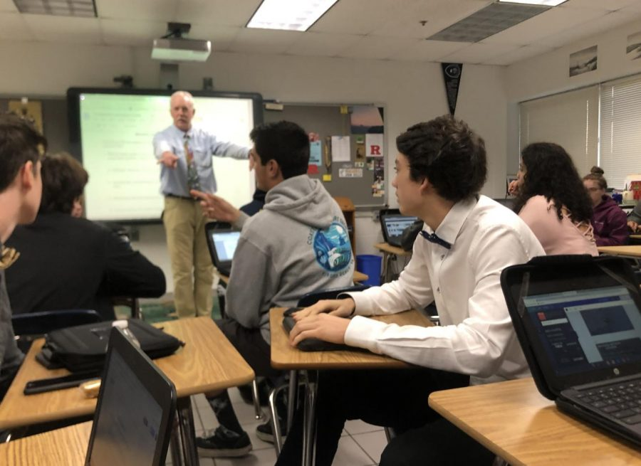 Students+engaged+in+active+listening+during+English+12+teacher+John+Kelly%27s+1A+Honors+class+on+Dec.+18.
