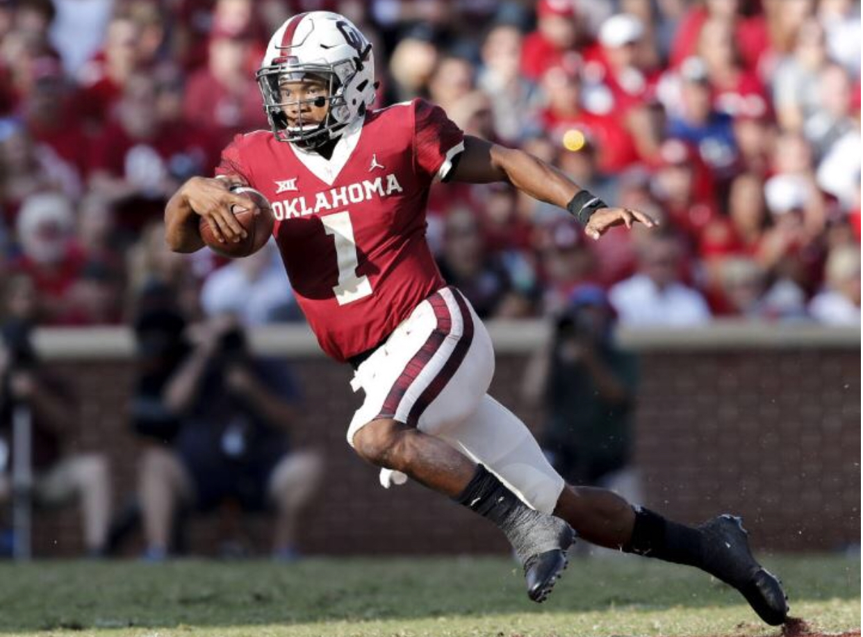 Quarterback Kyler Murray strikes the Heisman pose in Oklahoma's 66-33 victory against Baylor.  September 29, 2018