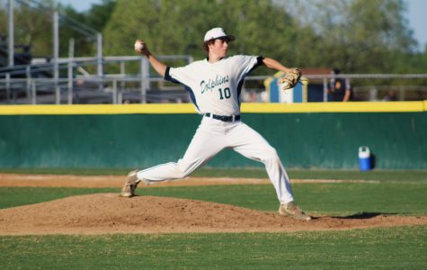 Varsity baseball stays hot with three wins