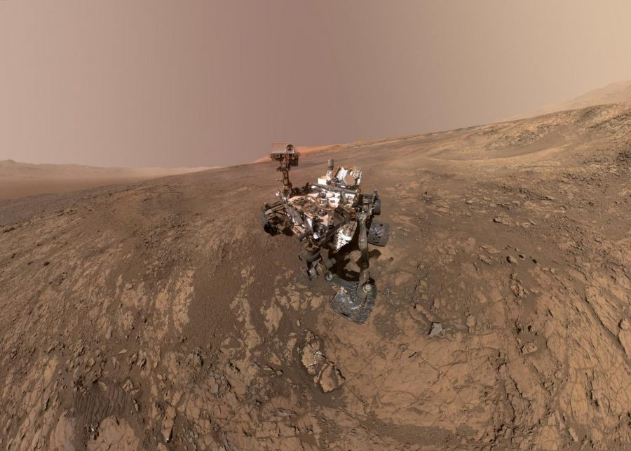 NASA%27s+Curiosity+rover+takes+a+self-portrait+on+the+Vera+Rubin+Ridge.+