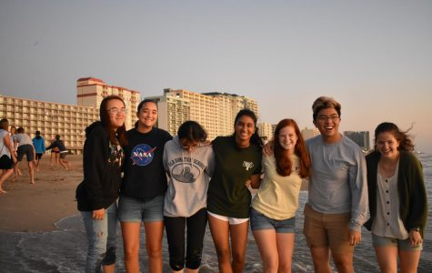 Sun rises on senior year with oceanfront shindig
