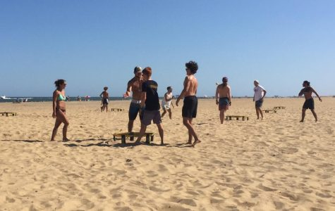 Spikeball players compete in final beach tournament on Sept. 21 at 47th Street.