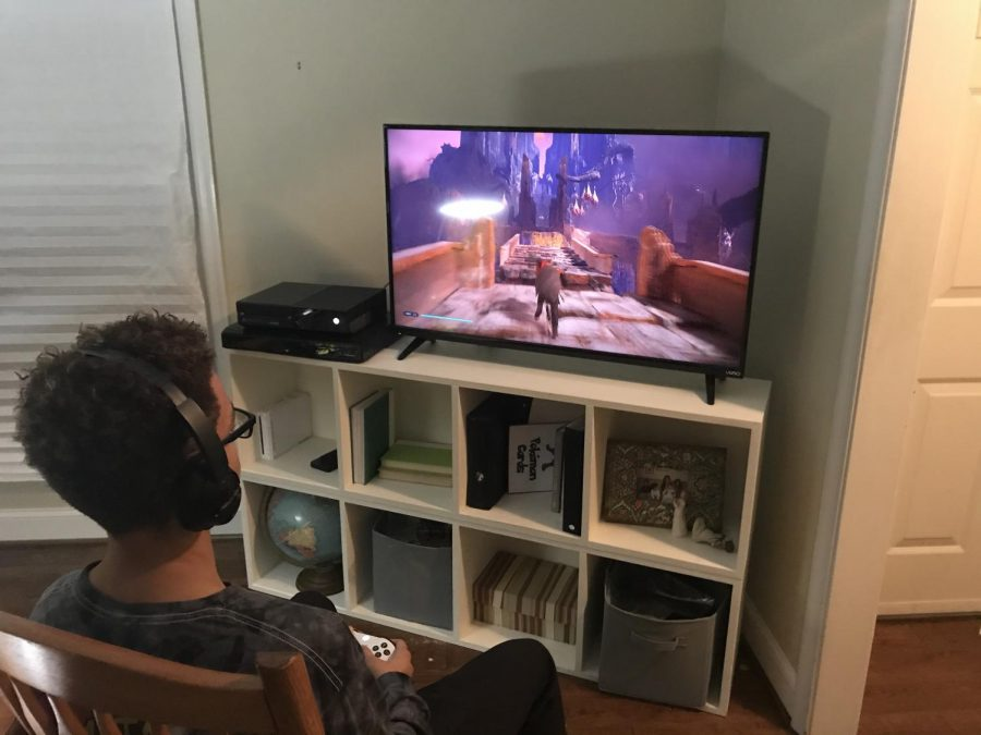 Khalil Pacheco playing Star Wars Jedi: Fallen Order on Xbox One.