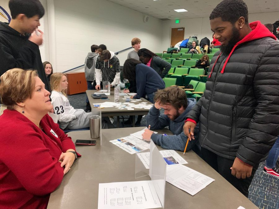 Students receive advice from housing station on Jan. 23, 2020.