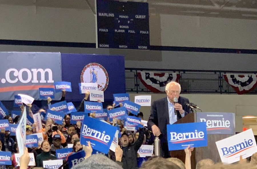Presidential+candidate+Bernie+Sanders+excites+the+crowd+at+a+Feb.+29+Virginia+Wesleyan+University+campaign+rally.+Juniors+Reena+Assassa+and+Basma+Bedawi+can+be+seen+in+the+bottom+left+corner.